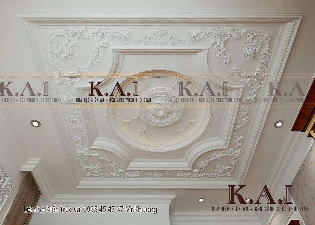 Các ngôi biệt thự cổ điển đều có các nội thất điêu khắc, chạm trổ cầu kỳ